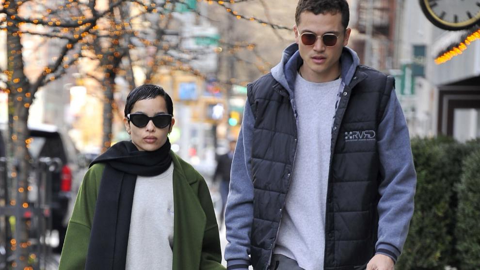 Zoe Kravitz y Karl Glusman paseando por las calles de Nueva York.