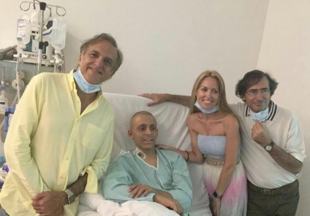 Paco con Dani y su familia