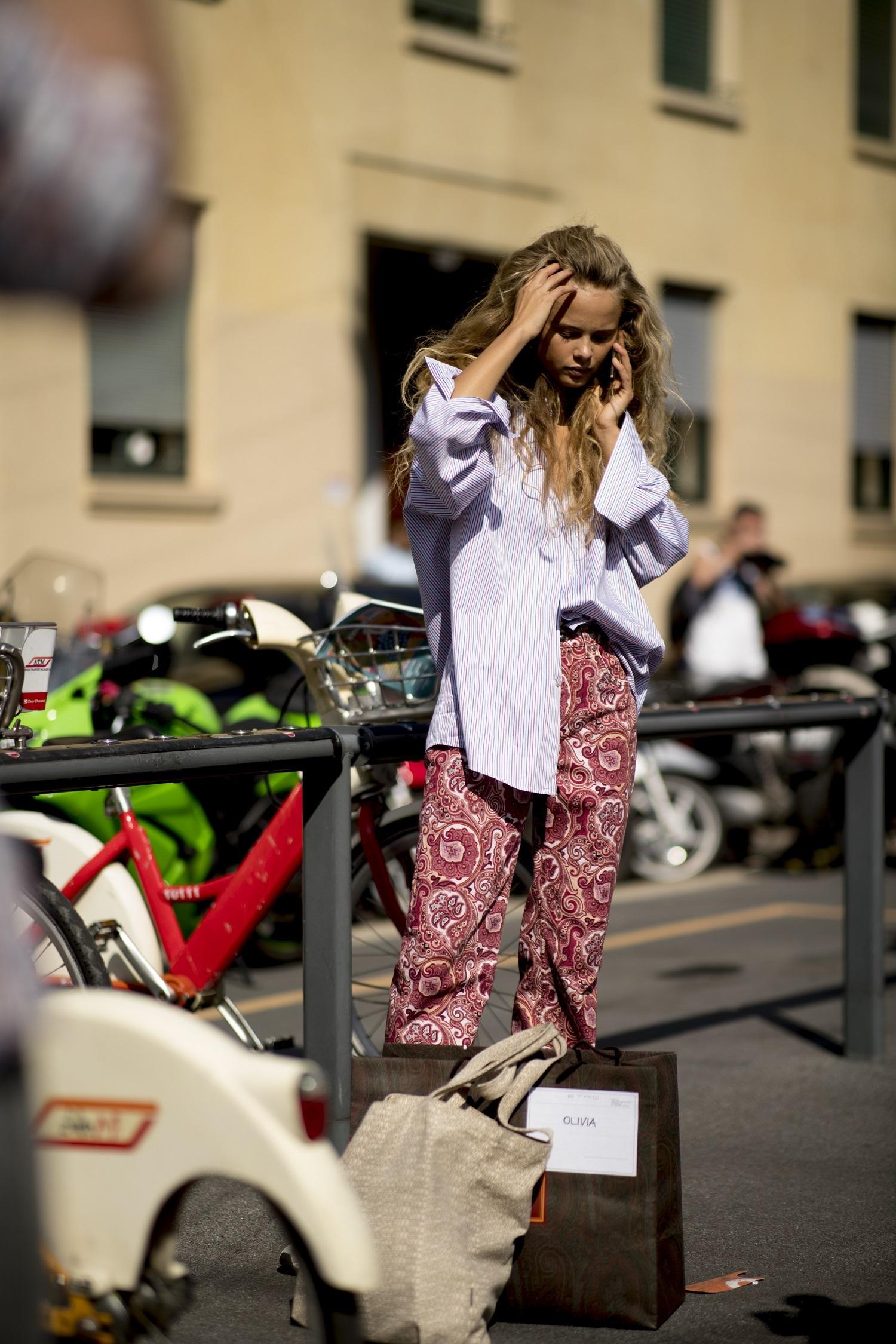 Olivia durante la semana de la moda de Milán.