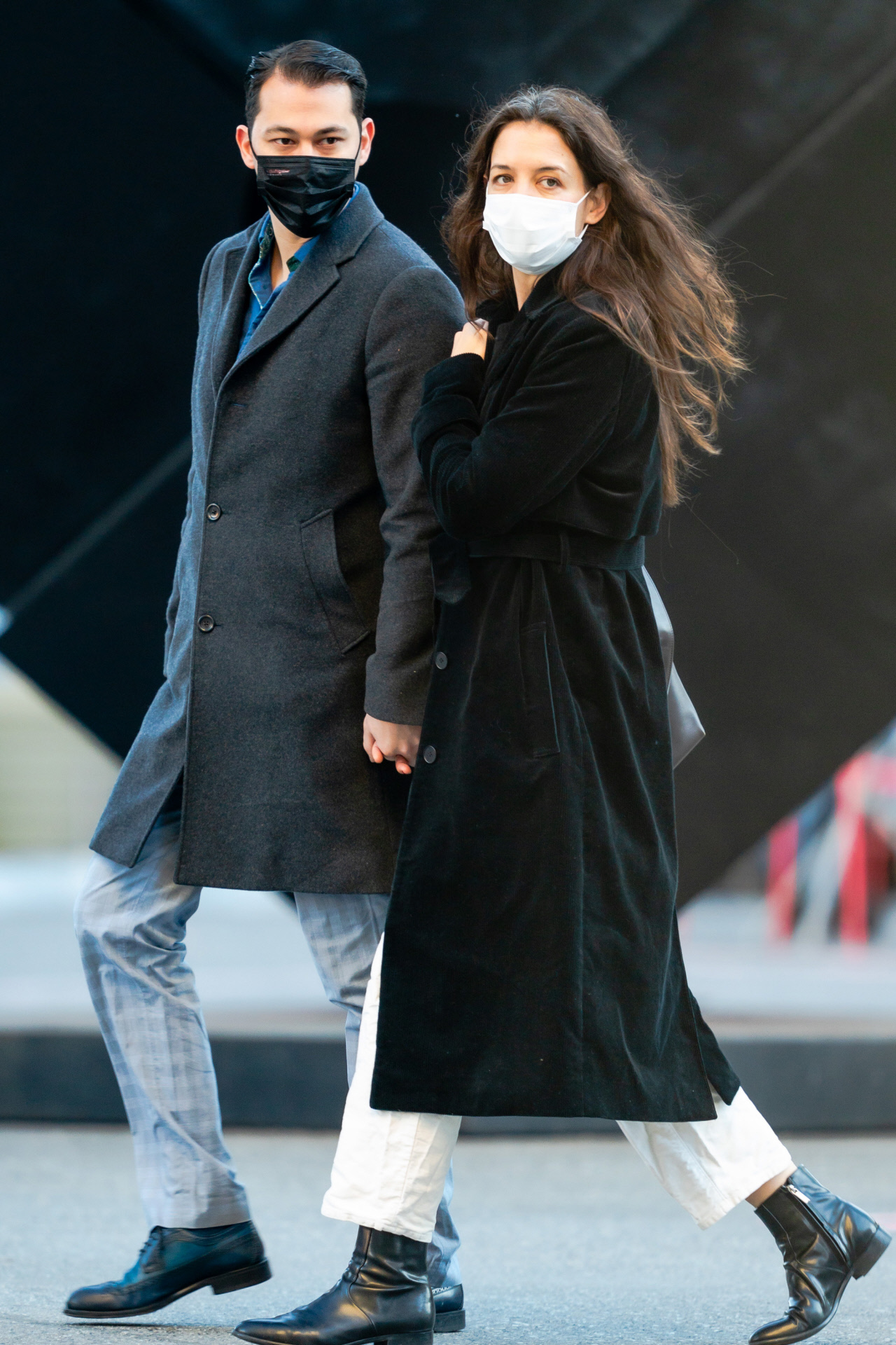 Katie Holmes por las calles de Nueva York con su novio Emilio Vitolo...
