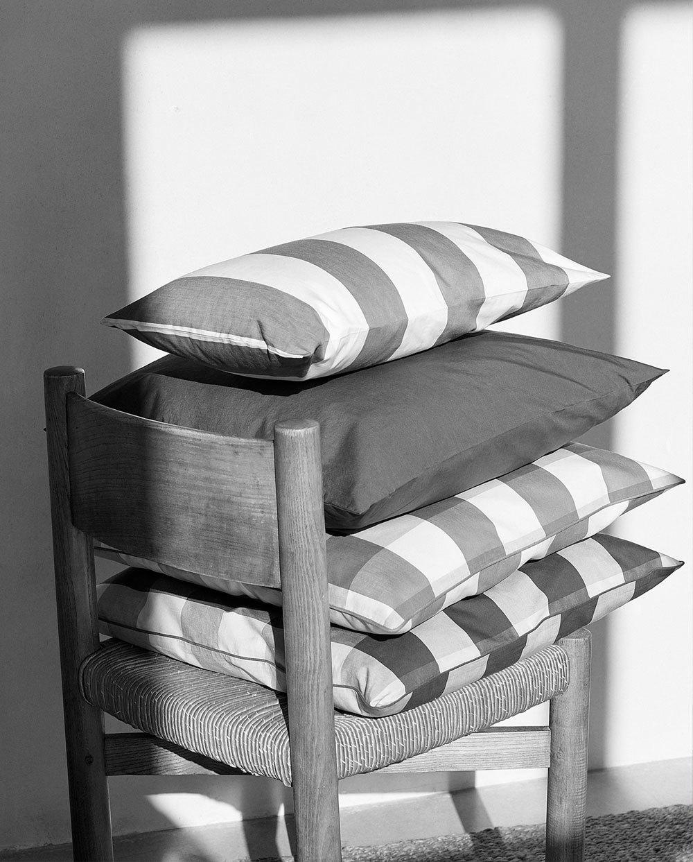 Textiles de la colección deco de Mango, inspirada en el Mediterráneo.
