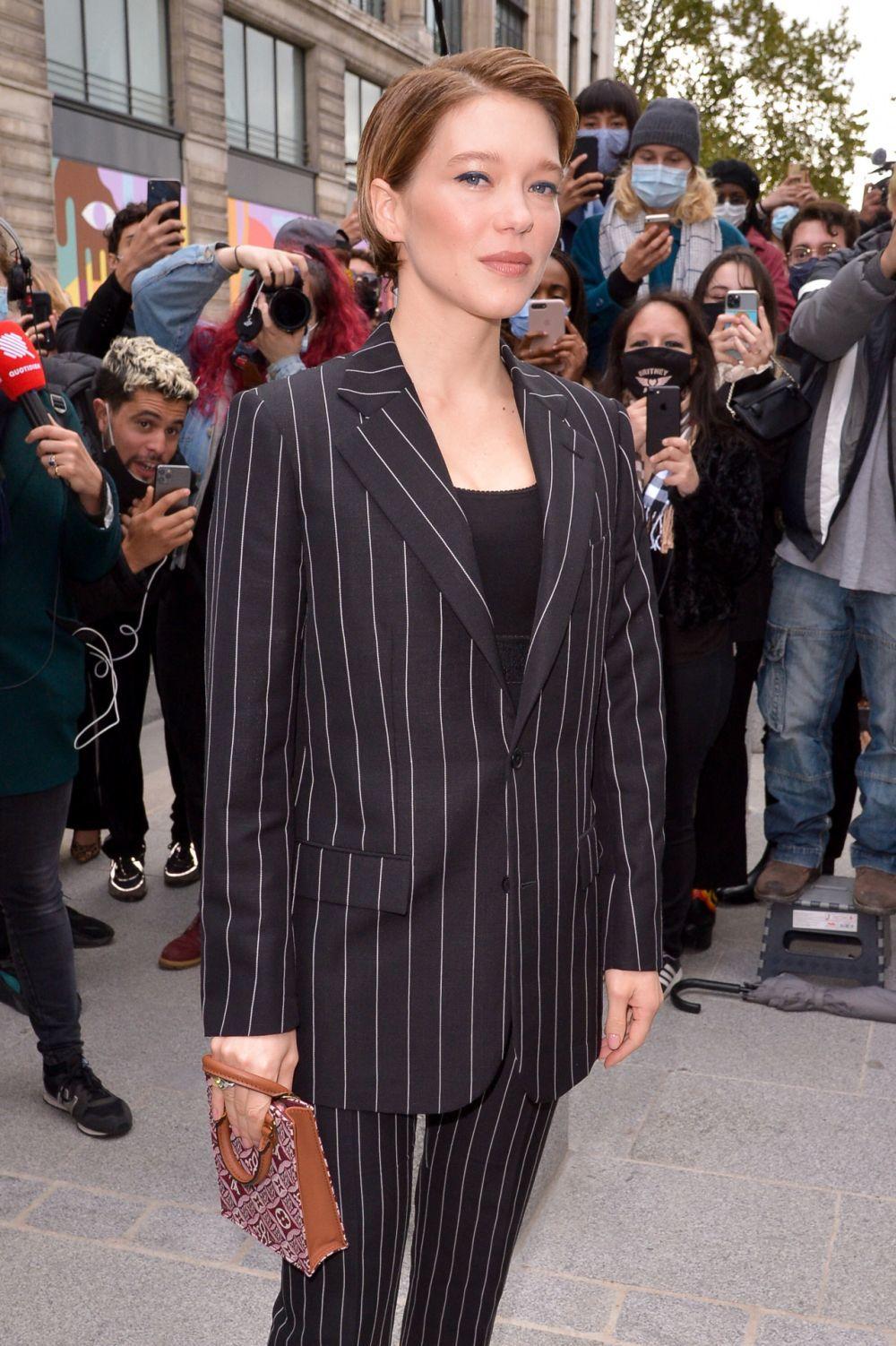 Léa Seydoux con su nuevo corte de pelo pixie con efecto mojado hace apenas dos meses.
