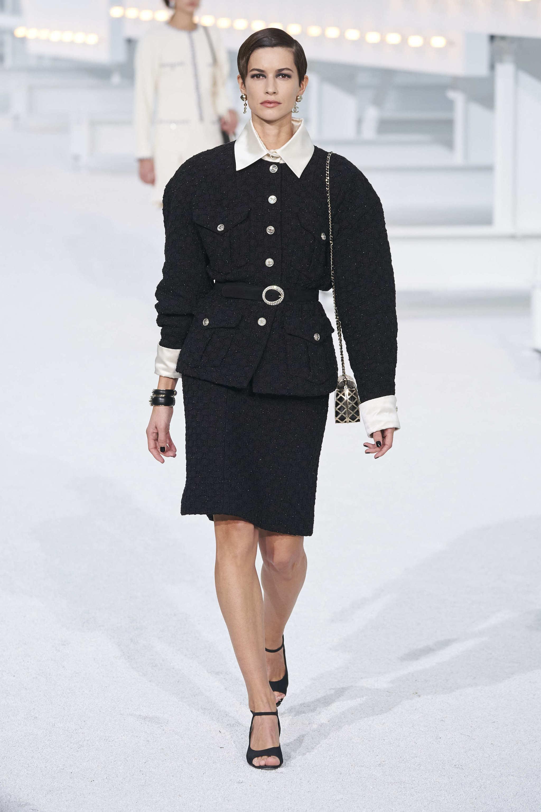 Look de primavera verano de Chanel
