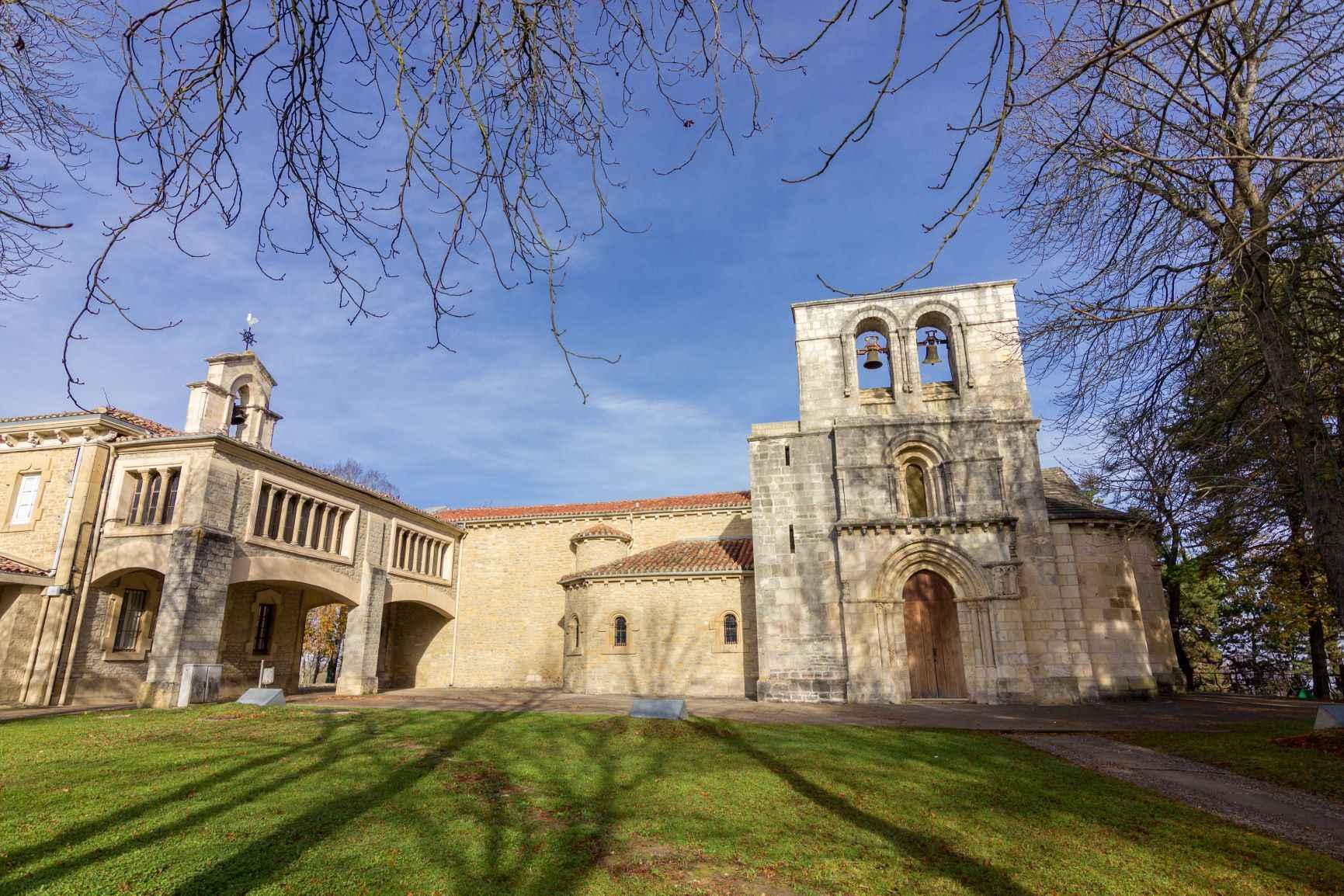 Monasterio de Nuestra Señora de Estíbaliz, en Alava, en el Camino Vasco del Interior. .