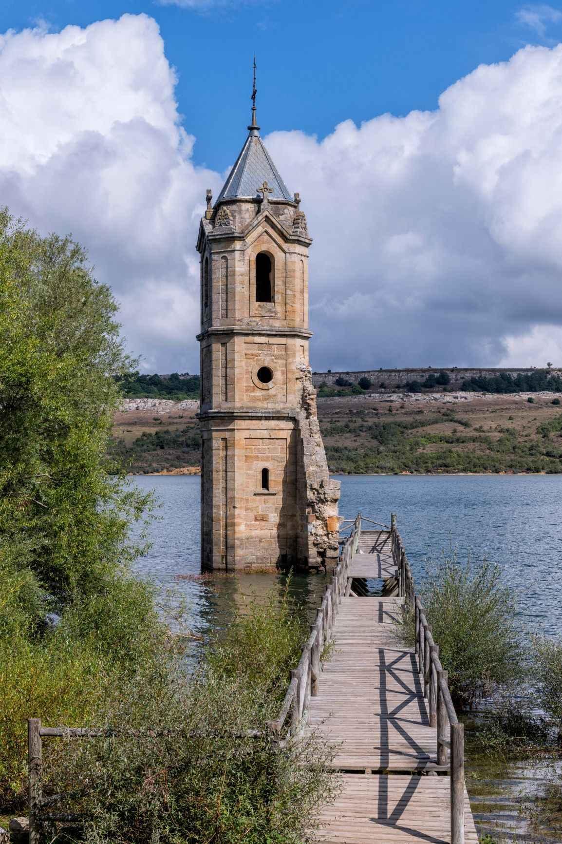 Villanueva de las Rozas, Cantabria. Camino Olvidado.