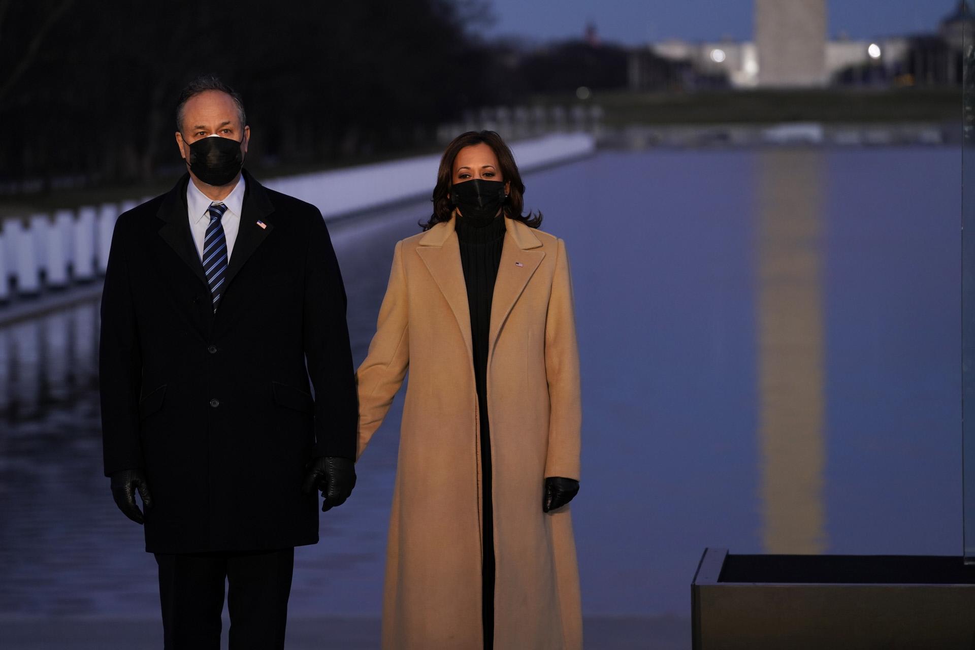 La videpresidenta Kamala Harris con su marido, Douglas Emhoff.