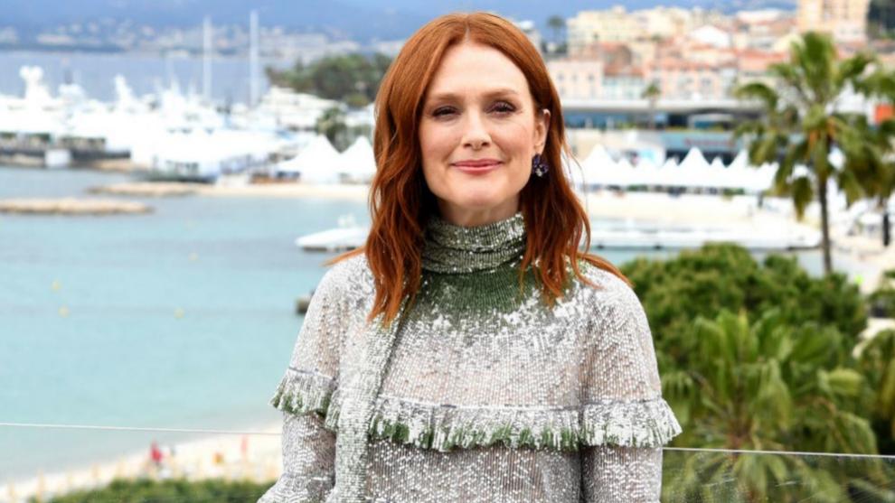 Por fin sabemos cómo es el pelo al natural de Julianne Moore - Telva.com