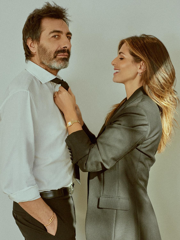 Nuria posa con chaqueta Dior, pantalón Nina Ricci y reloj...