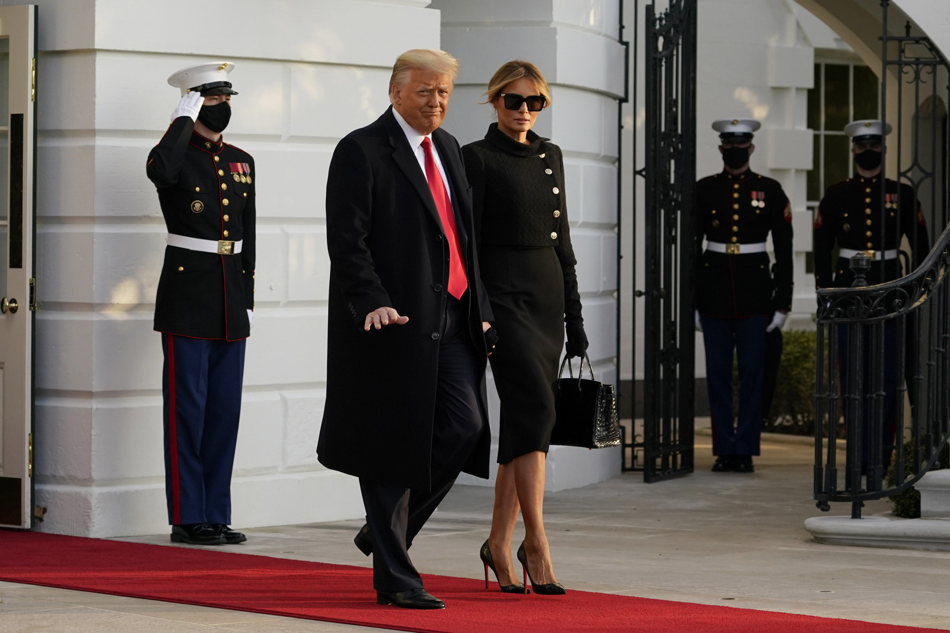 Donald y Melania Trump se despiden de la Casa Blanca.