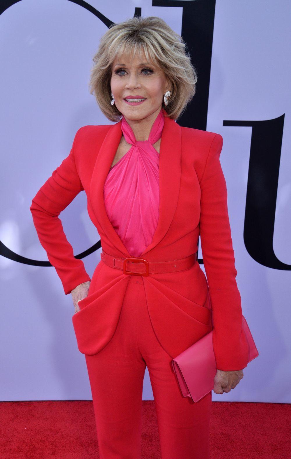 Jane Fonda con un corte shag con flequillo.