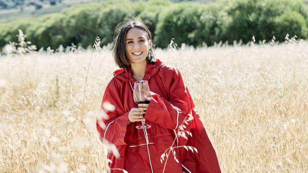 Tamara Falcó en los campos de trigo situados junto al espectacular...