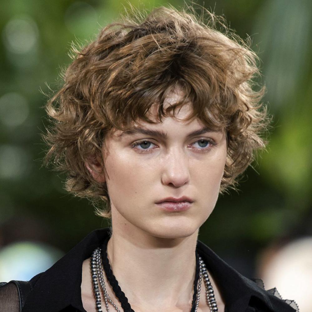 Los cortes de pelo cortos cada vez cuentan con más versiones aprovechando nuestra textura ondulada, lisa o rizada.