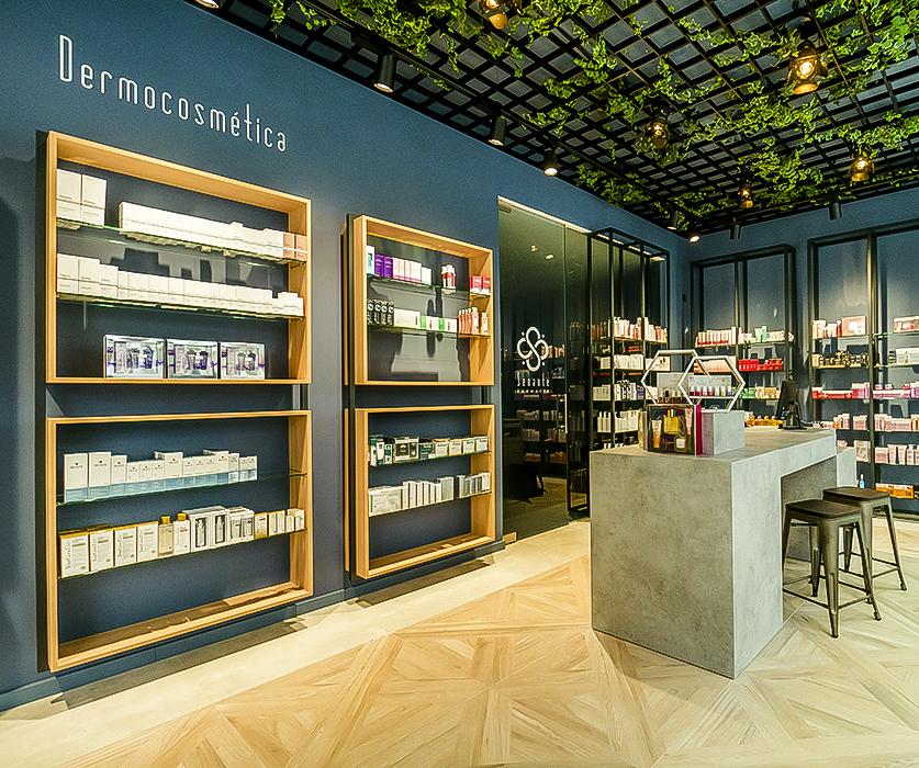 Farmacia Senante, en Zaragoza, bajo los mandos de Eduardo Senante (22...