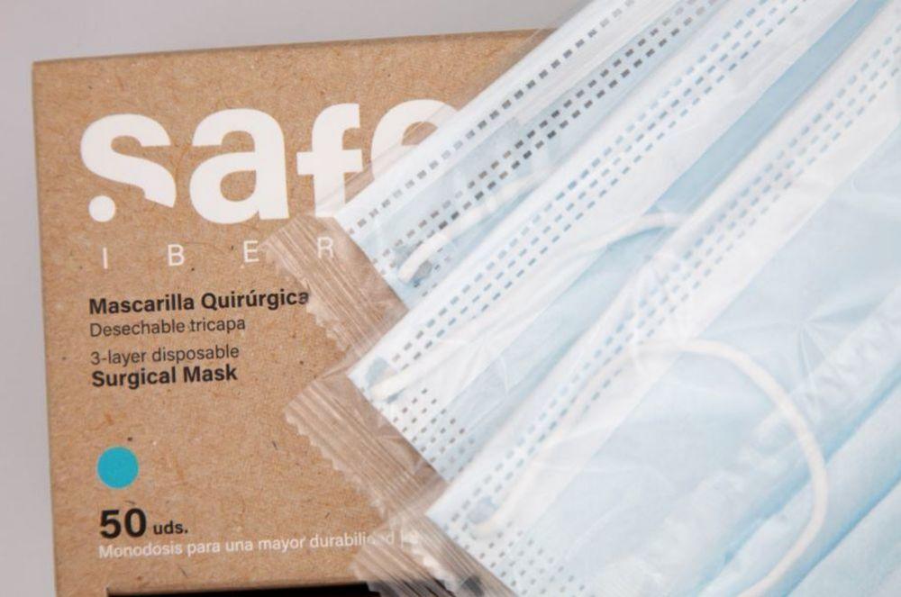 Mascarillas quirúrgicas tricapa de la empresa española SAFE IBERIA, con tres certificaciones de calidad y filtrado del 99,93%.