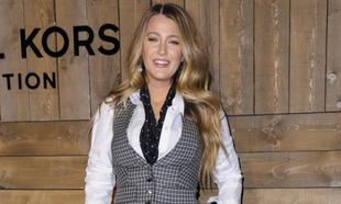 Blake Lively durante la presentación de una nueva colección de moda.