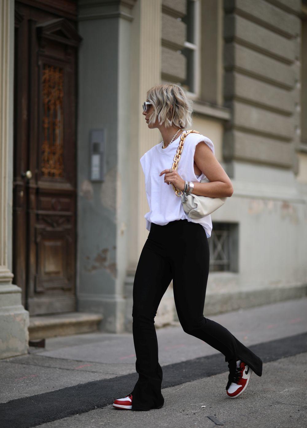 El street style se rinde a las Nike Jordan de estética vintage.