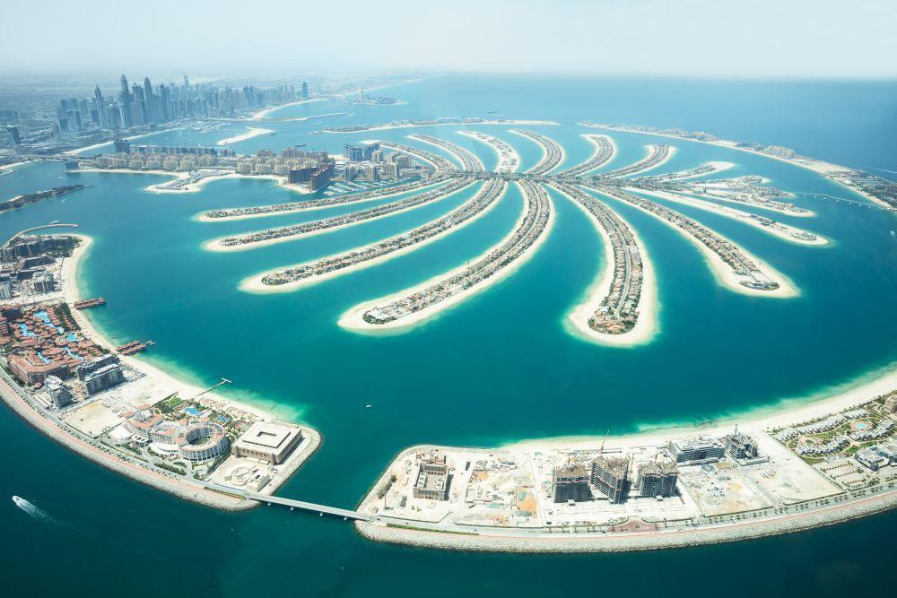 Dubái ofrece un oasis de modernidad junto al desierto.
