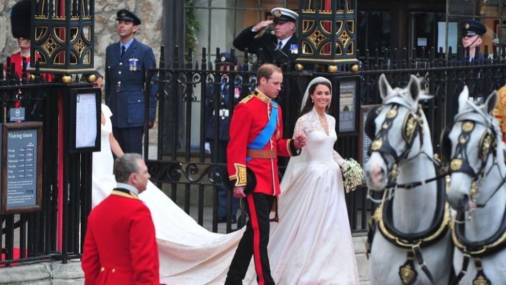 Los duques de Cambridge saliendo de la abadía de Westminster