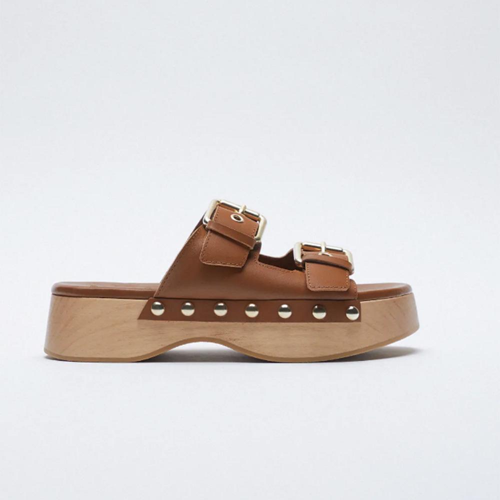 Sandalias estilo zueco de Zara: 59,95 euros.