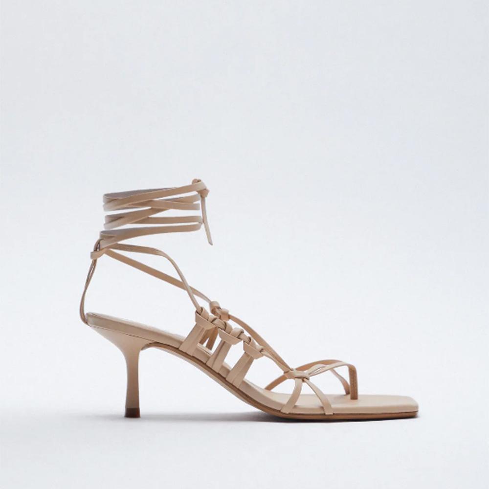 Sandalias de tiras de Zara: 45,95 euros.