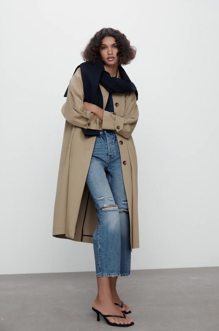 Jeans con rotos de Zara (29,95 euros)