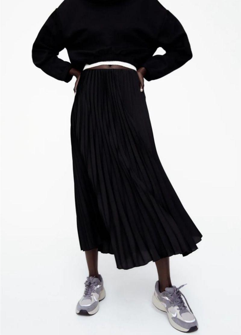 Falda que lleva Olivia de Zara