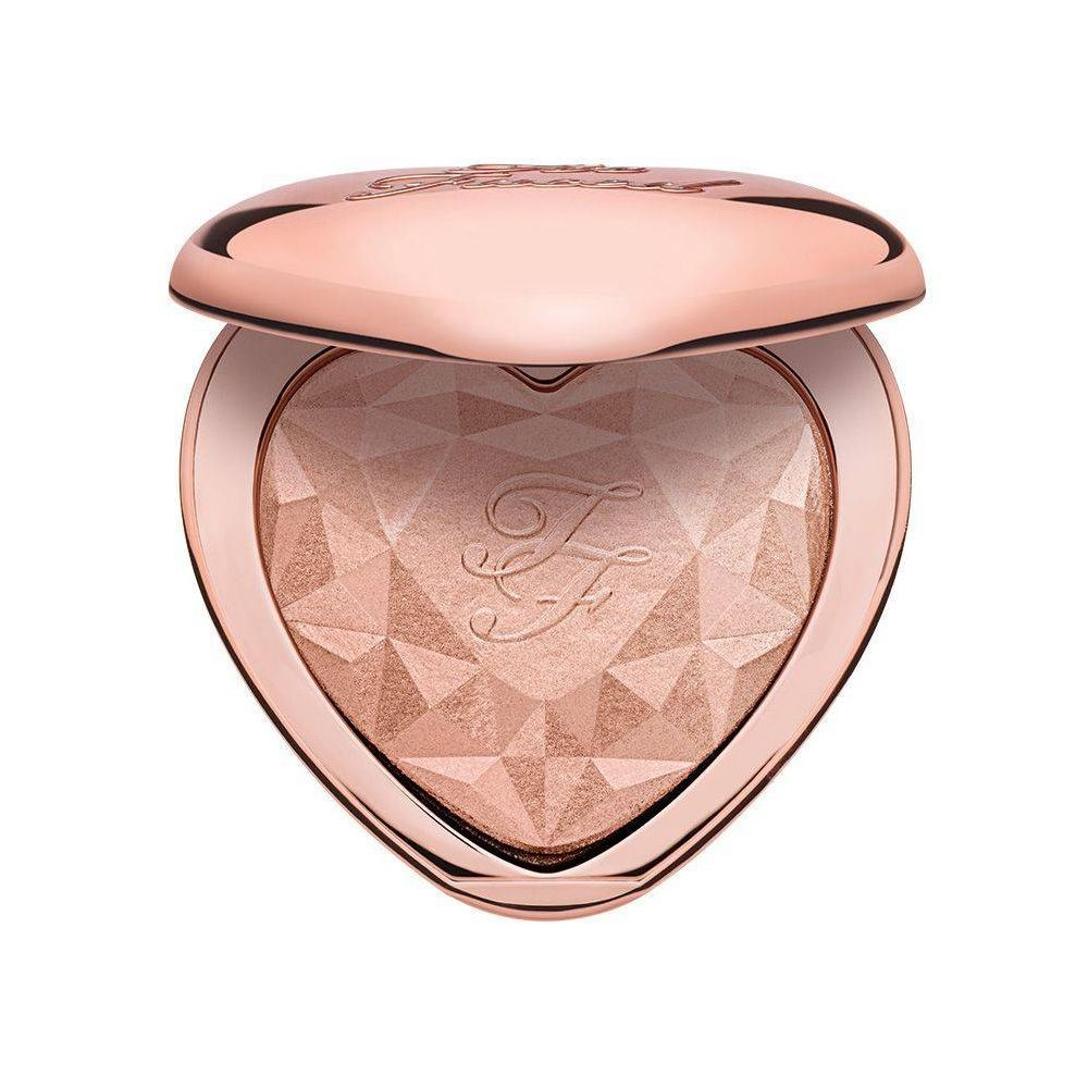 Iluminador Love Light de Too Faced.