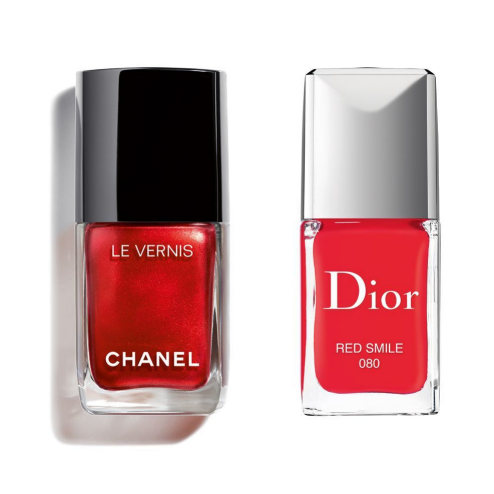 Esmalte de uñas Rouge Allure Laque 887 Metallic Bloom de Chanel (38 euros); laca de uñas Red Smile de Dior (28 euros).
