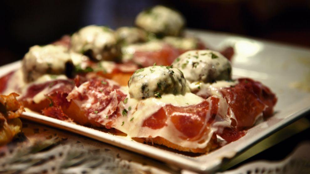 Comer es un placer para los sentidos y perfecto para celebrar un San...