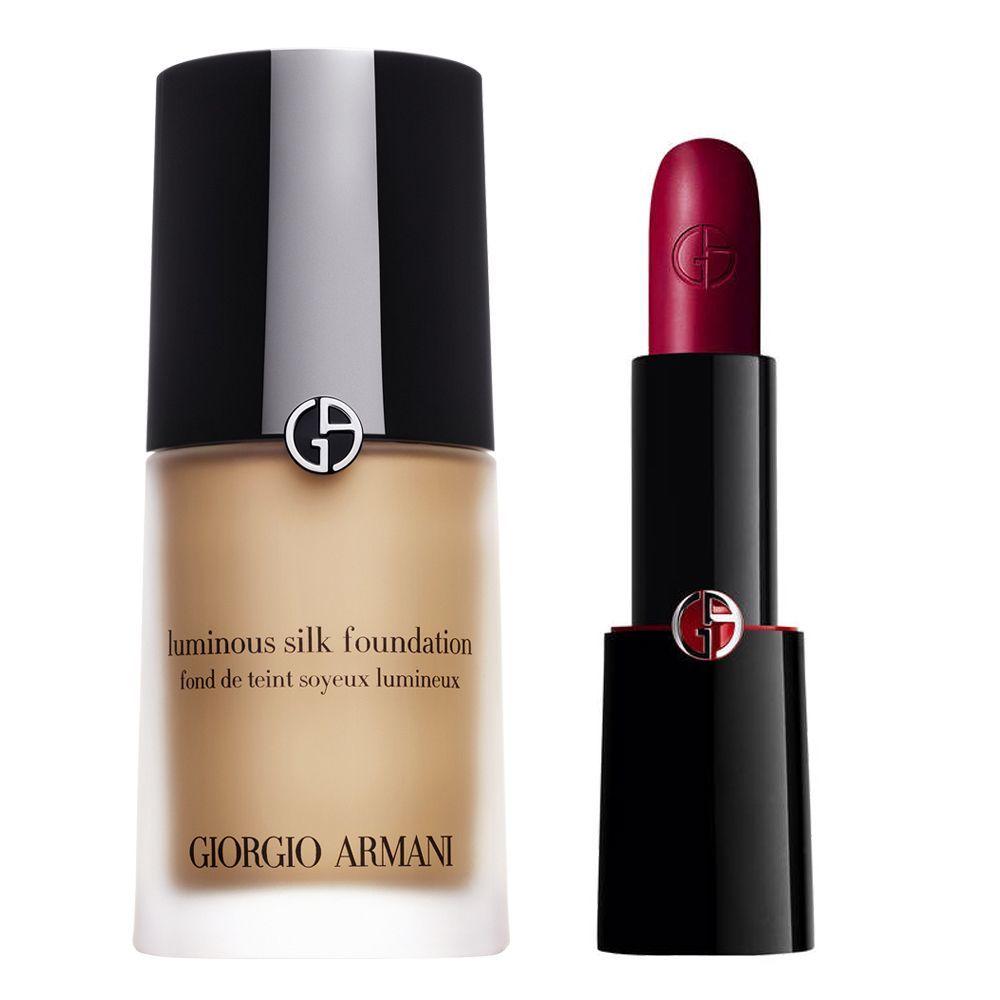 Base de maquillaje Luminous Silk Foundation y barra de labios Rouge D'Armani Lipstick 402 Scarlatto, ambos de Giorgio Armani. (C.P.V.)