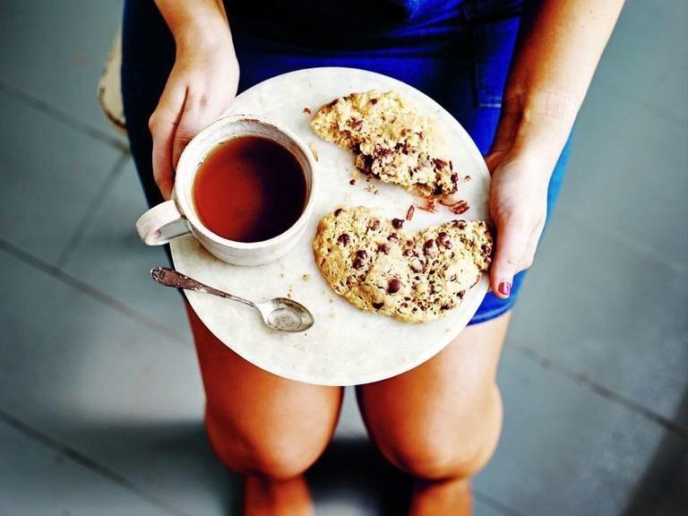 Cookie con pepitas de chocolate y nueces pacanas en 2 minutos