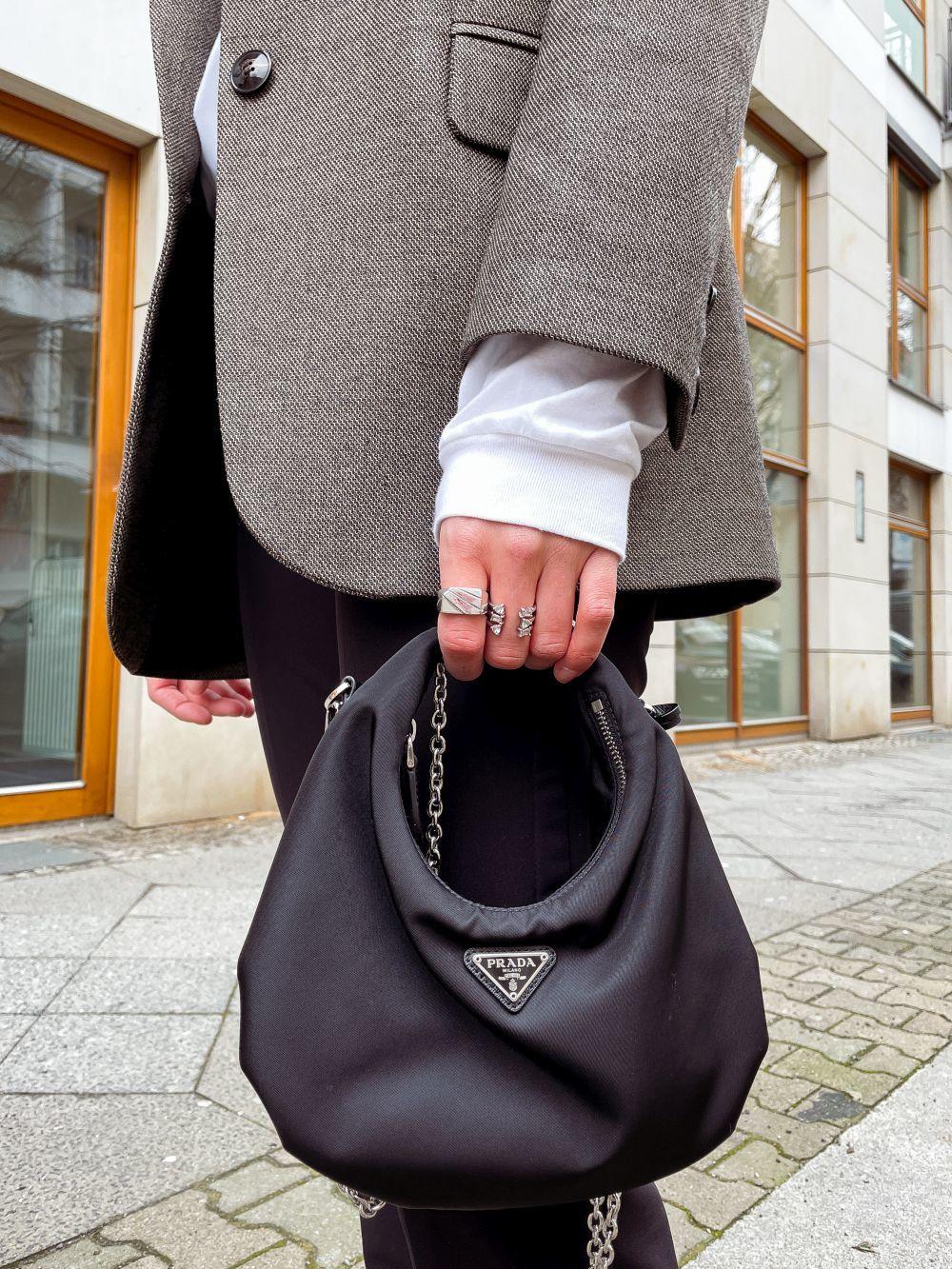 El bolso de Prada más deseado de la temporada.