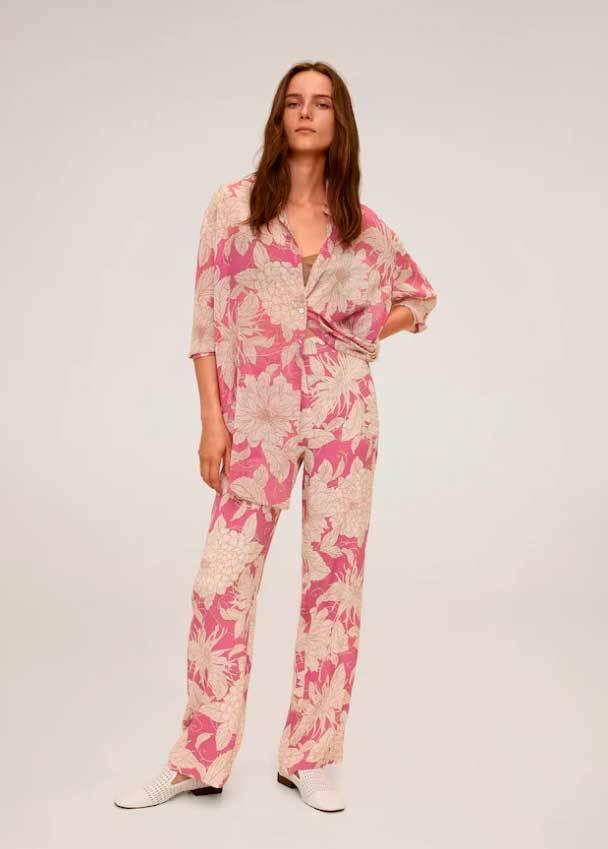 Pantalones de flores de Mango.