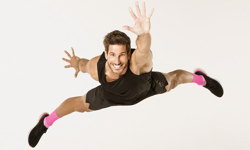 Cesc Escolà, de 28 años, ha entrenado a los concursantes de OT y...