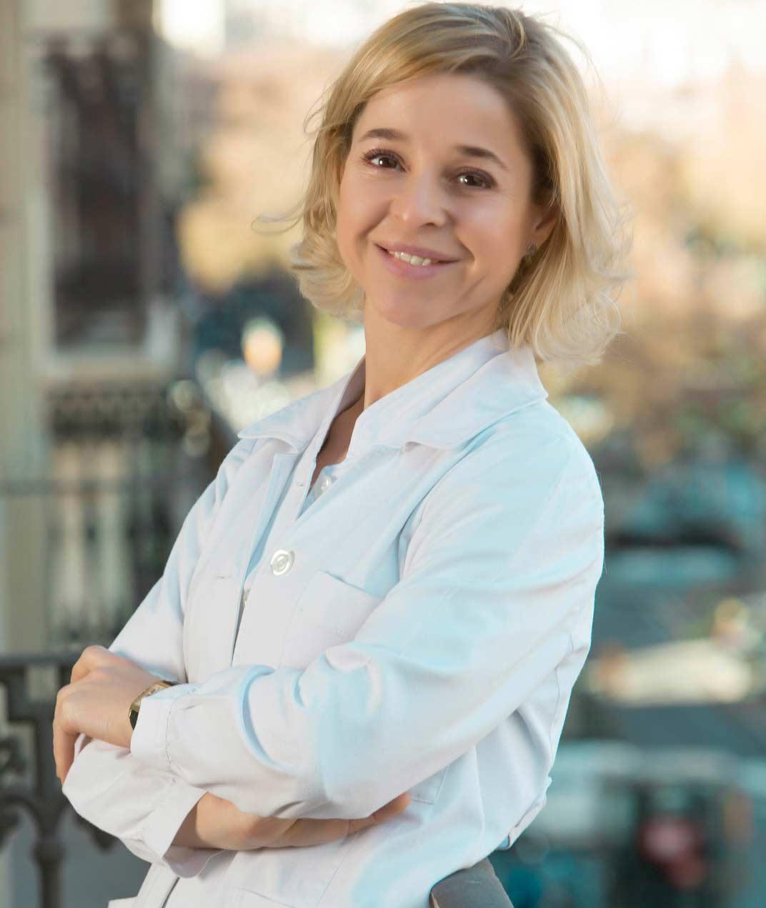 Dra. Adriana Ribé, experta en medicina estética.