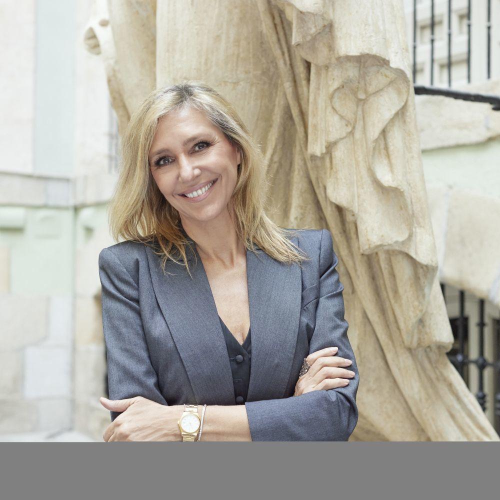 Marta Robles, en la Real Academia de Bellas Artes de San Fernando...