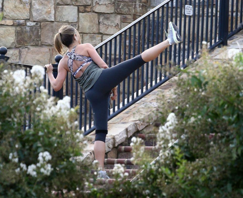 La rutina de ejercicio de Jennifer Aniston incluye Pilates, yoga, boxeo, ejercicios de fuerza, caminata...