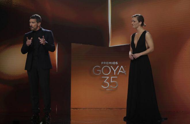 Antonio Banderas y María Casado en los Premios Goya 2021.