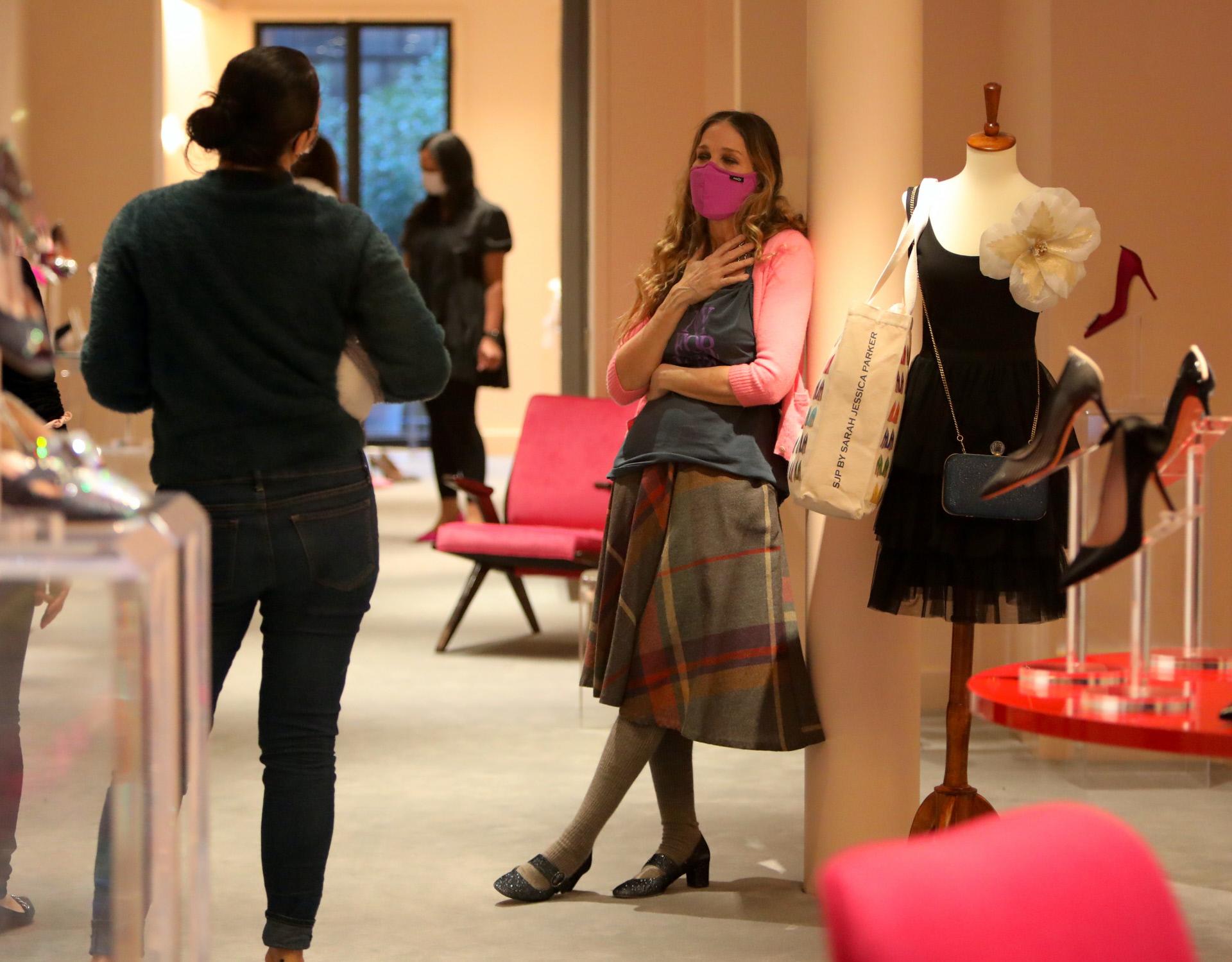 Sarah Jessica Parker en su tienda de zapatos.