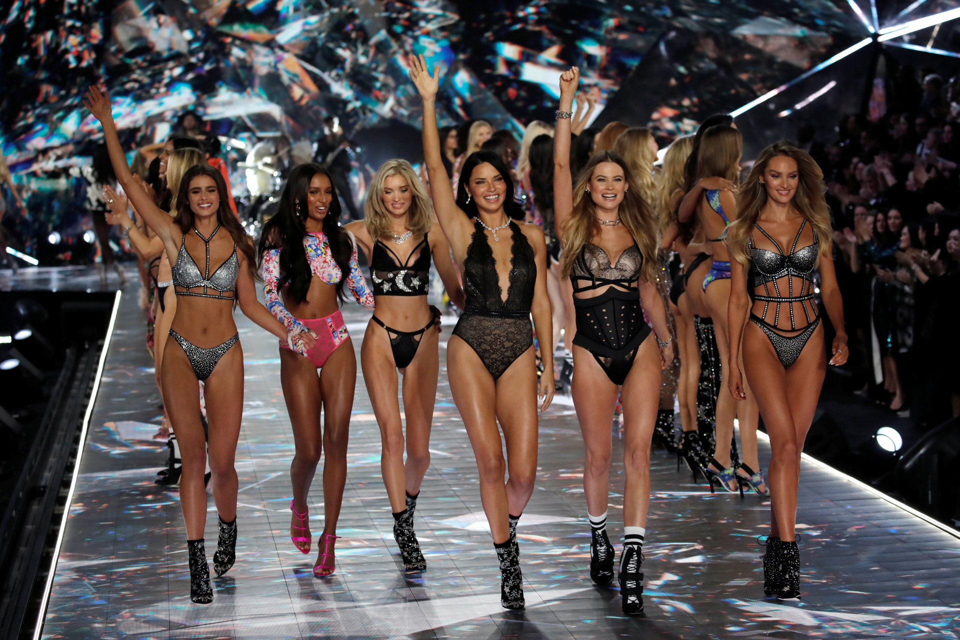 El cierre del desfile de Victorias Secret en 2018, el último de la firma.
