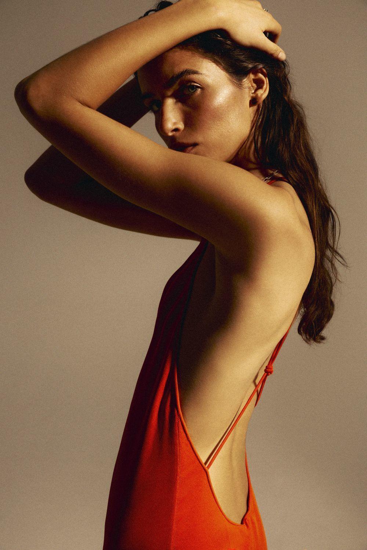 Devolver la vida a tu piel corporal pasa por darle un toque de luz.