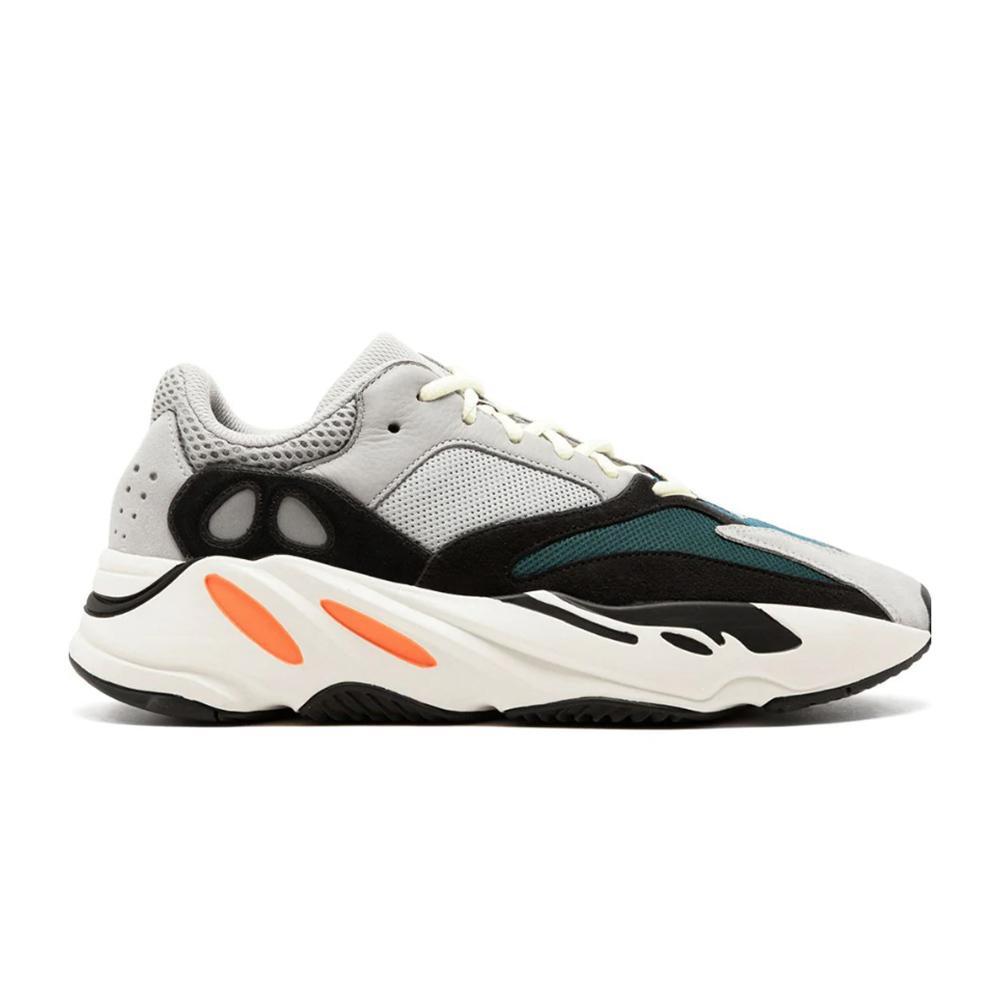 Zapatillas Adidas Yeezy Boost 700.