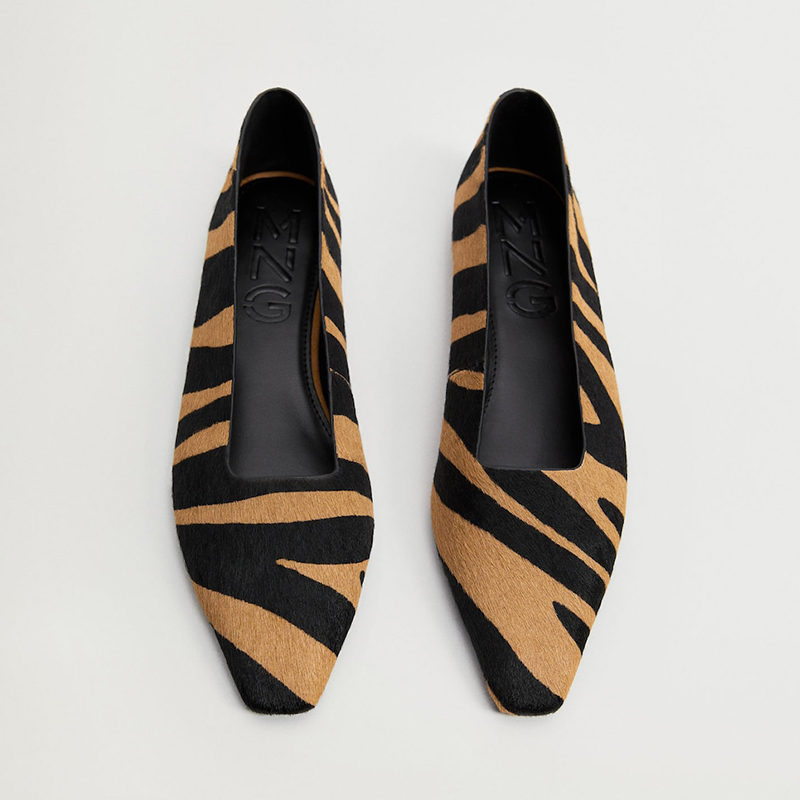 Zapato piel estampado animal.