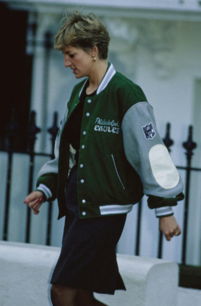 Lady Di con la chaqueta de los Philadelphia Eagles en enero de 1991.
