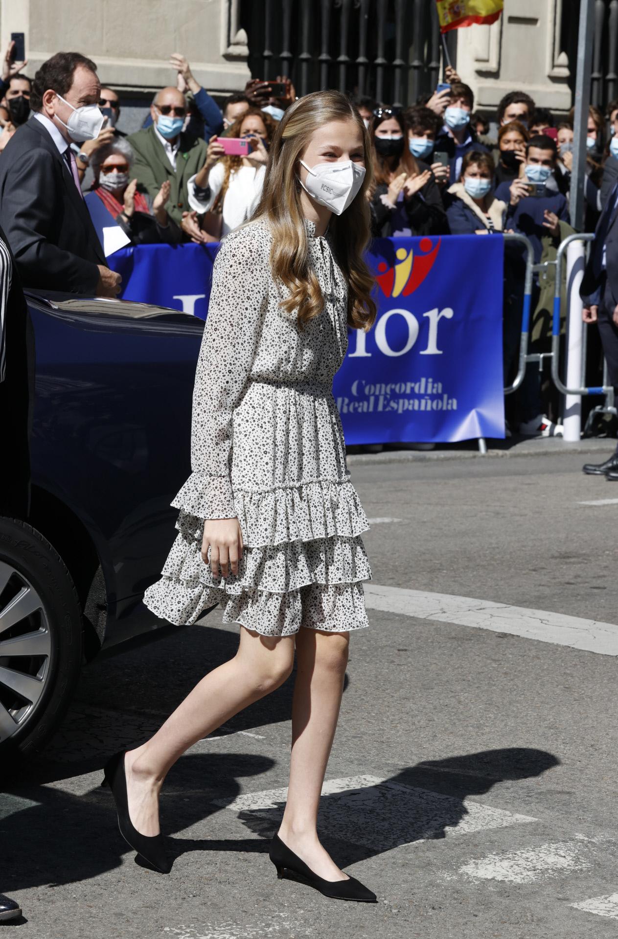Princess Eleanor in Poeté's dress.