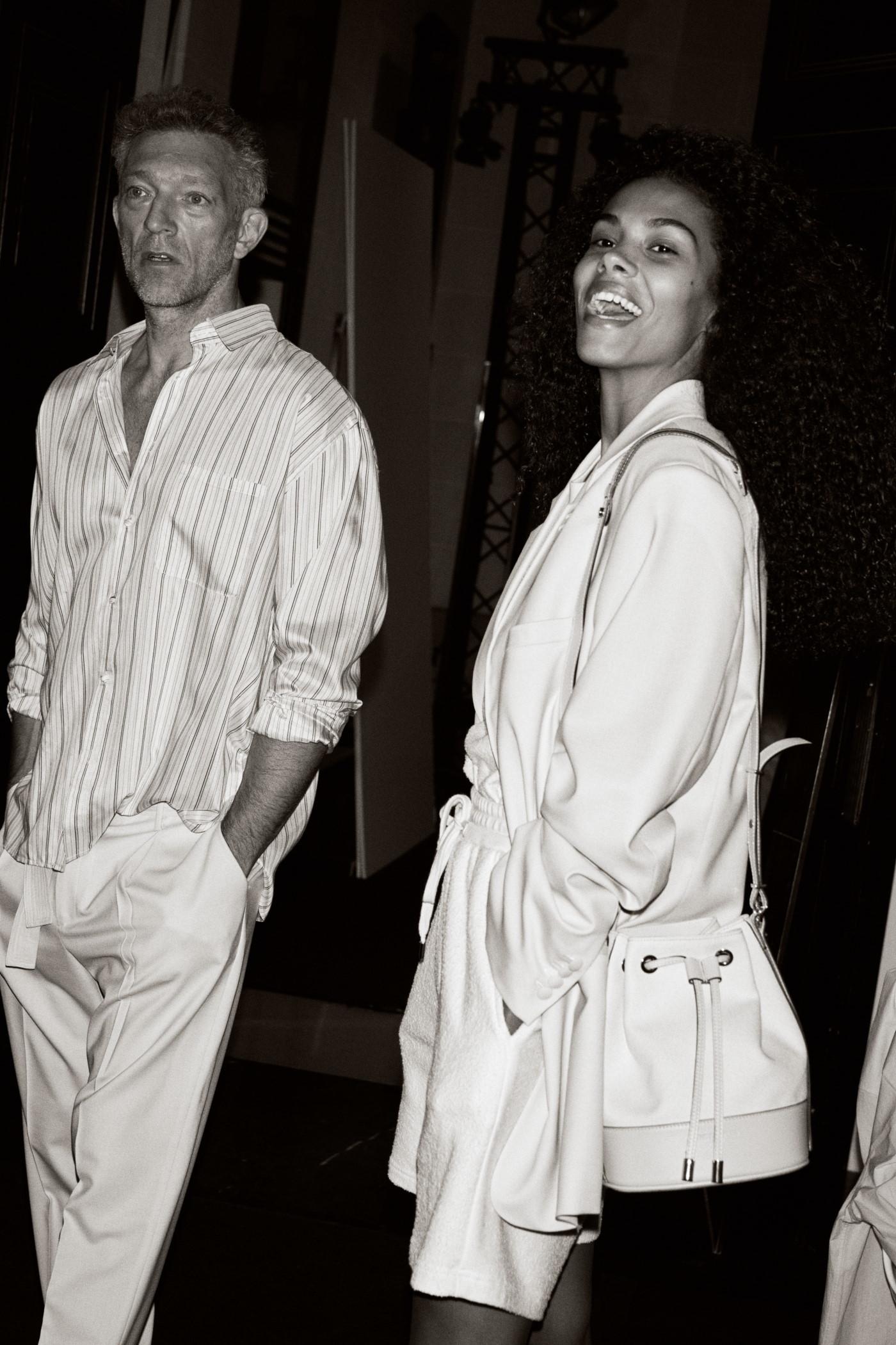 Vincent Cassel y Tina Kunakey en el shooting de la campaña deThe Kooples.