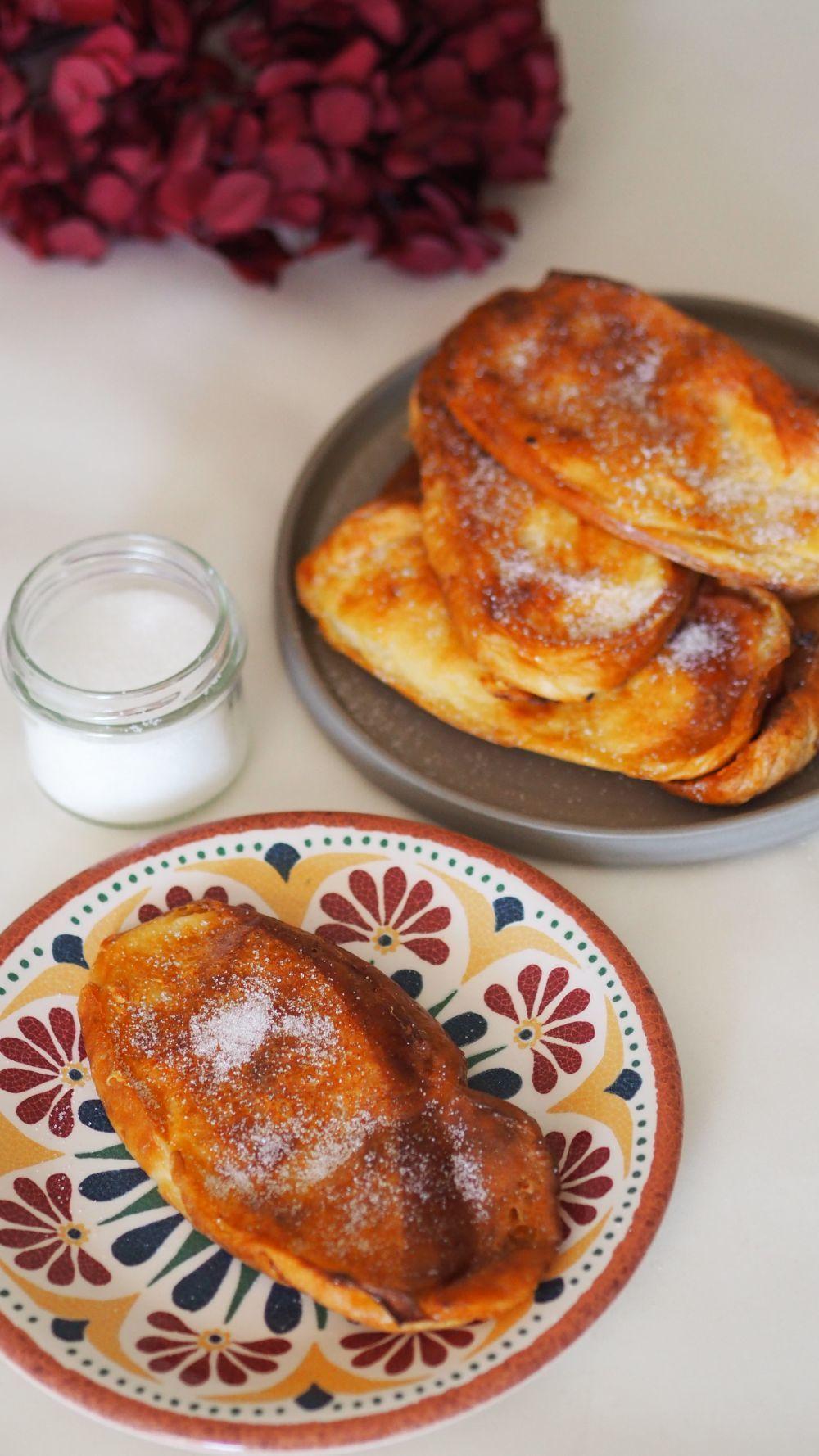 Torrijas de pan brioche al horno.
