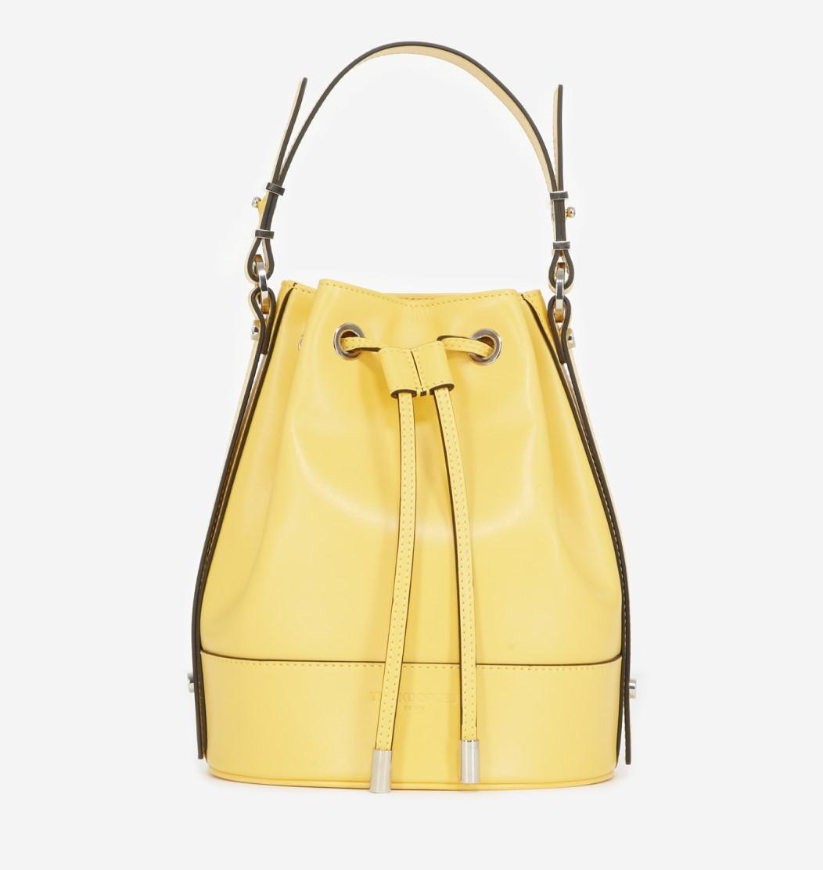 Bolso Tina: en dos tamaños y en cvariedad de colores este bolso se suma a la tradición de los bolsos creados por las musas de The Kooples.