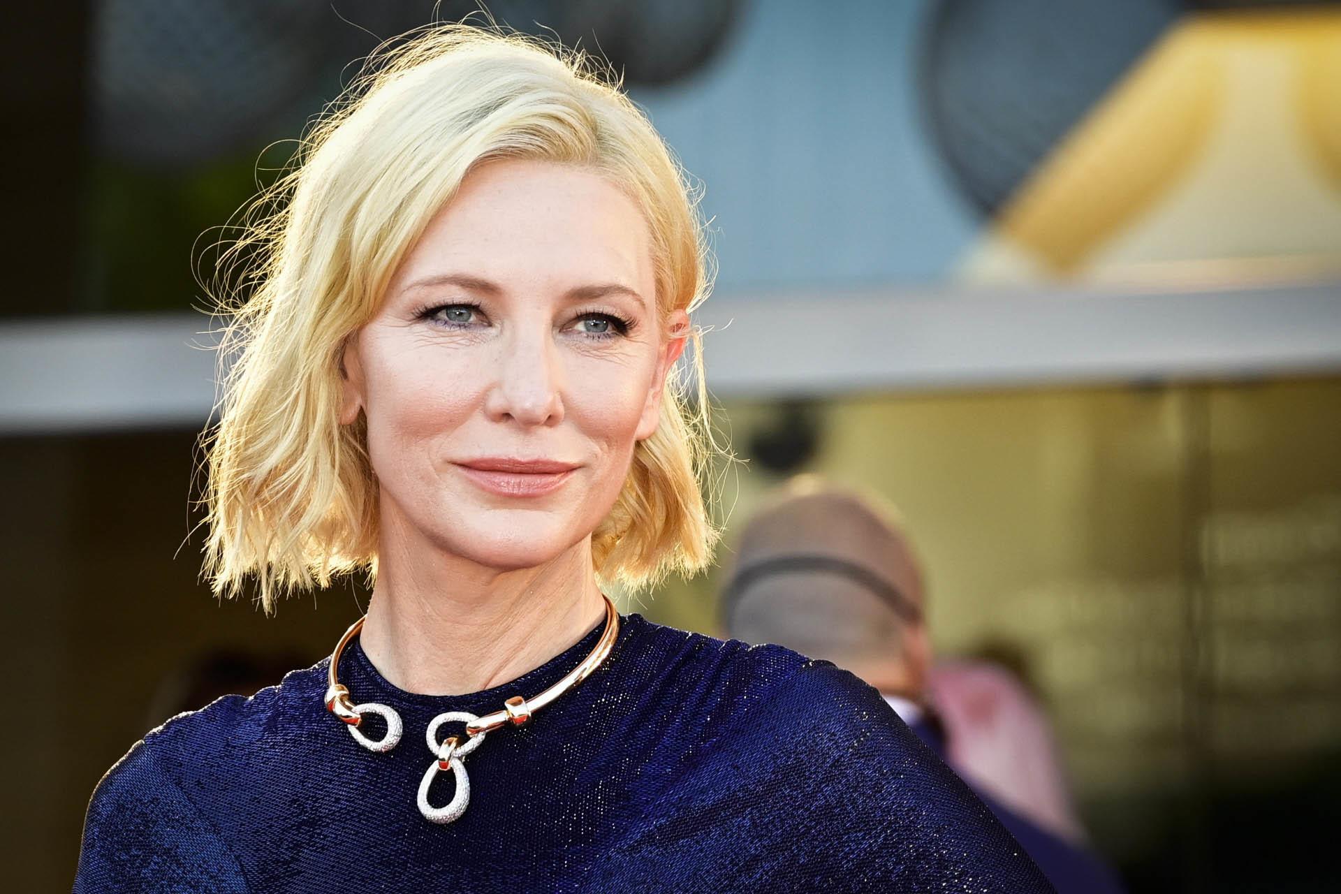 Cate Blanchett con un corte midi a capas, muy rejuvenecedor.