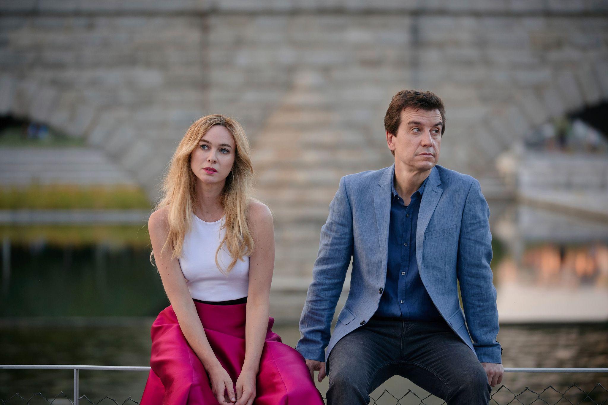 """Marta Hazas y Javier Veiga son pareja tanto dentro de la serie """"Pequeñas coincidencias"""" como en la vida real."""
